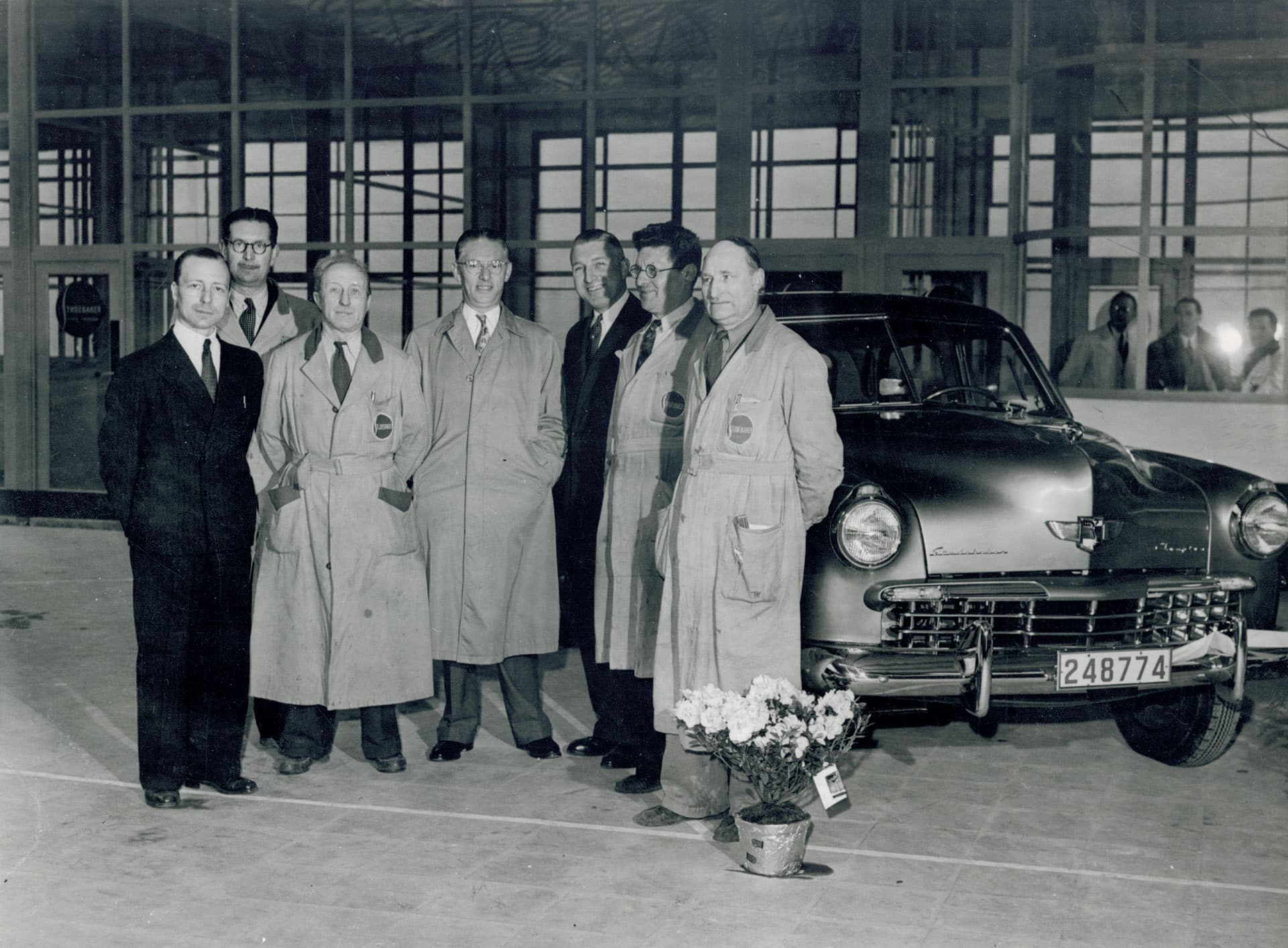 1949_first-Studebaker-Brussels.jpg